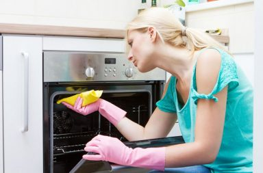 Как эффективно помыть микроволновку внутри и снаружи