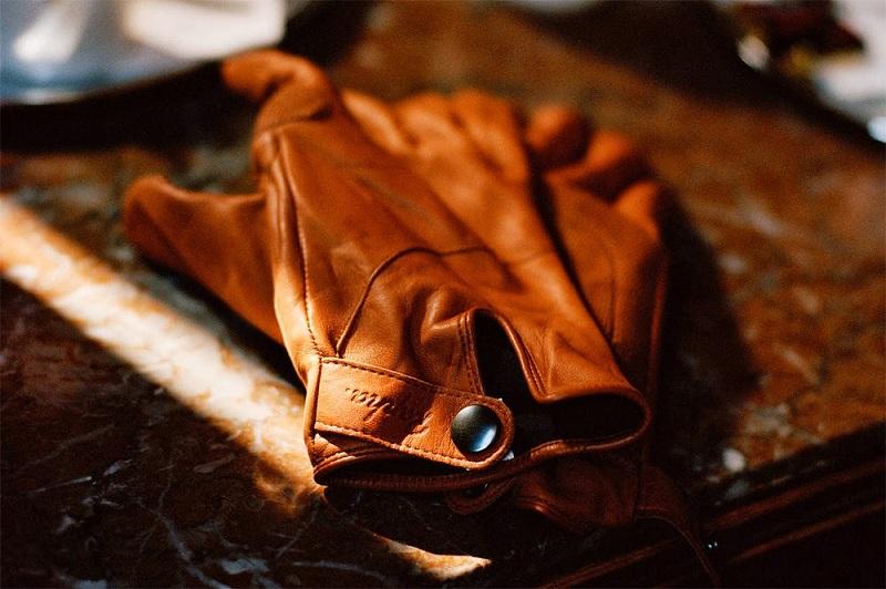 Как и чем почистить кожаные перчатки — простые способы